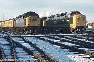 British Rail Class 40 40162 amp Class 55 55002 York Rail Photo - Mansfield, United Kingdom - British Rail Class 40 40162 amp Class 55 55002 York Rail Photo - Mansfield, United Kingdom