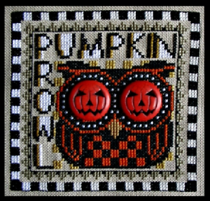 HINZEIT-Cross-Stitch-Chart-with-2-Charms-PUMPKIN-PROWL-Halloween