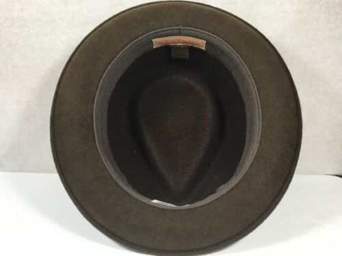 Brand NEW men/'s  Stetson Prof Hat with Logo Pin Brown and Black 100/% Wool