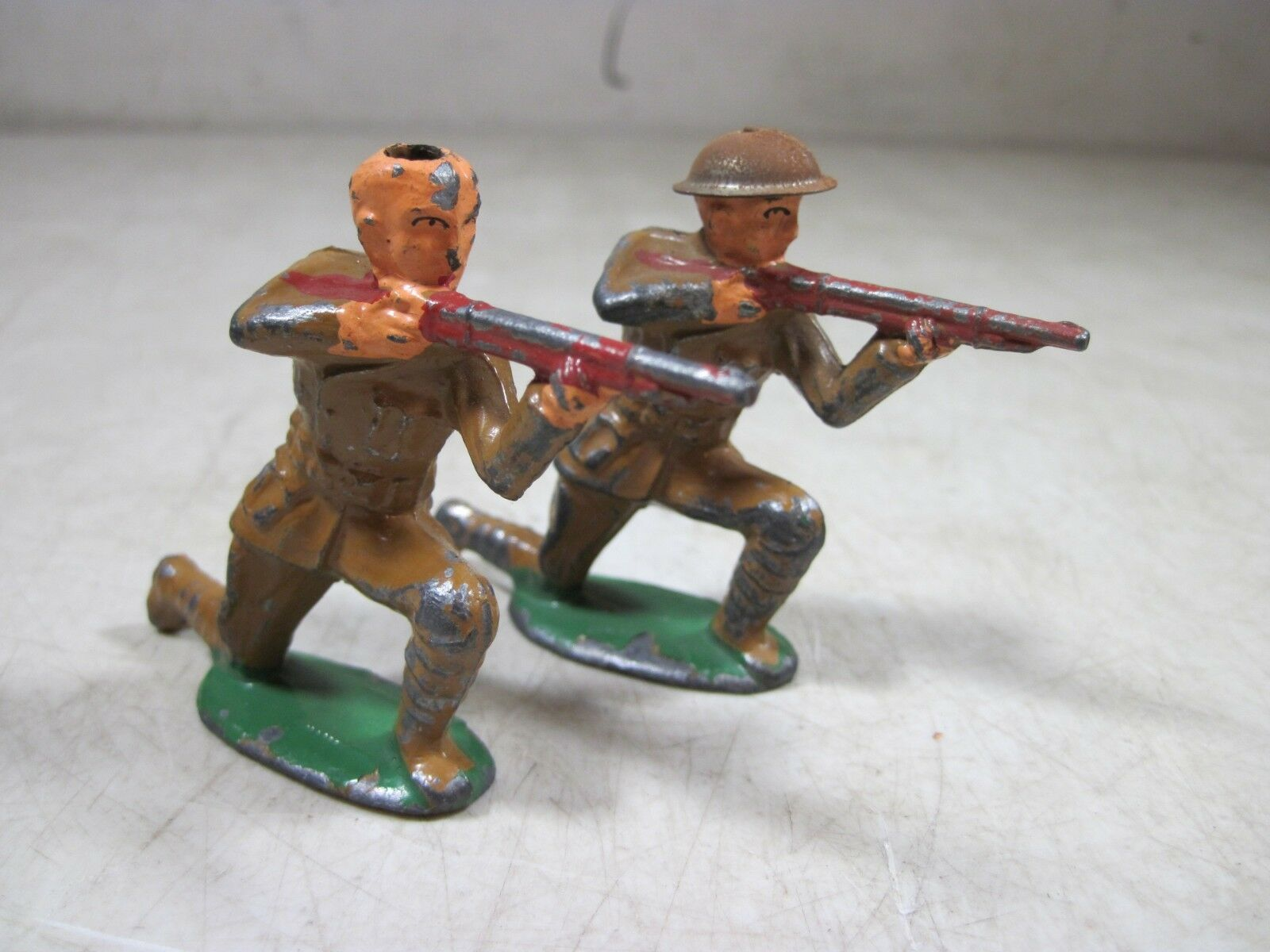 2 Antique Barclay Lead Toy Soldiers Rifleman Kneeling WWI Tin Helmet Infantry