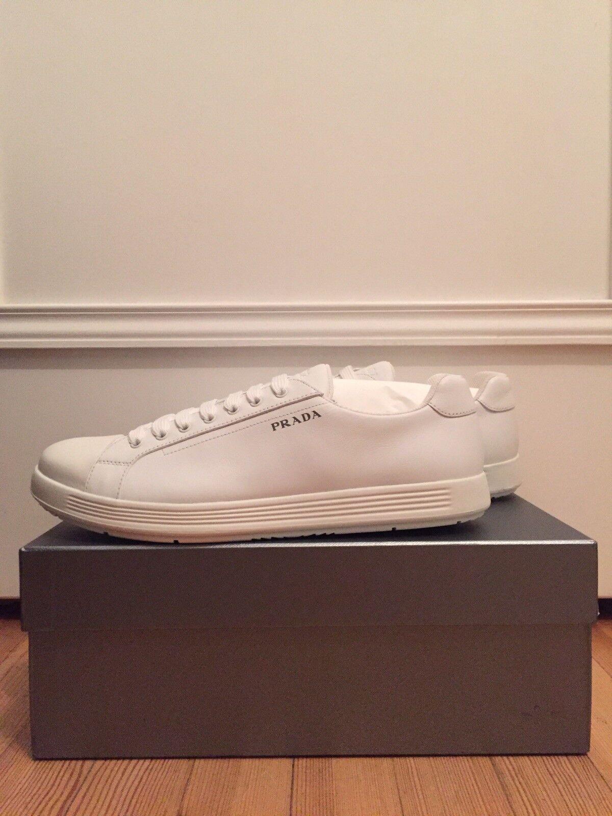 Sneaker 44 von Prada NEU   395,-