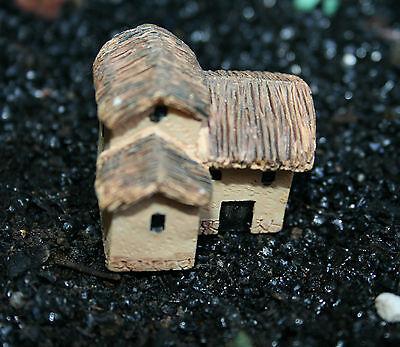 Dutiful 1 Miniatures Cute 2 Storey Cottage*plus Moss* Fairies Gardens,bonsai,terrariums Good For Antipyretic And Throat Soother Dollhouse Miniatures Other Dollhouse Miniatures