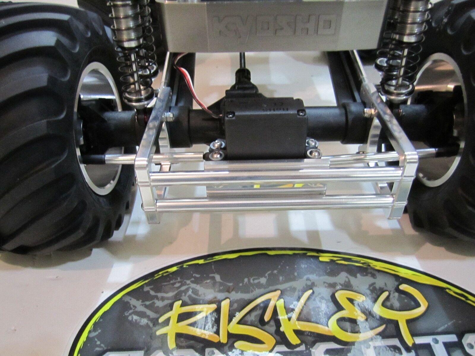 El parachoques de eje kyosho Mad Force, con el cambio de rumbo al hardware riskey.