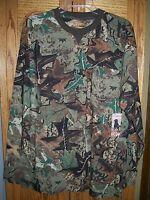 Canyon Guide Outfitters Sz Medium Hunters Camo Print Pocket T Shirt
