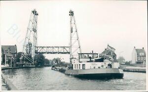 Dutch-Motor-barge-gouwestad-at-boskoop-1966-ship-photo