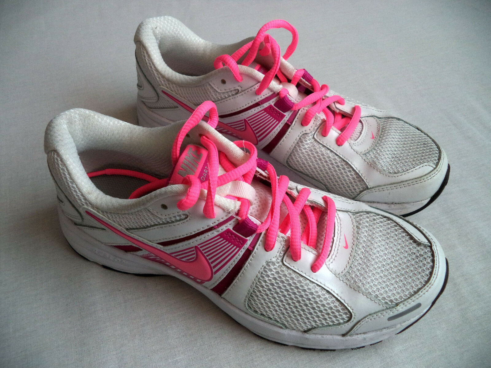 Womens NIKE Dart Dart Dart 10 running shoes sz 8 fitness gym athletic workout training 39560c