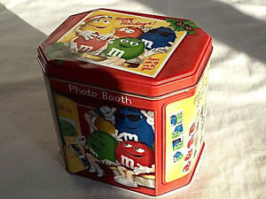 M-amp-M-Candy-Container-Tin-Box-Christmas-Village-Photo-Booth-Limited-Edition-2004