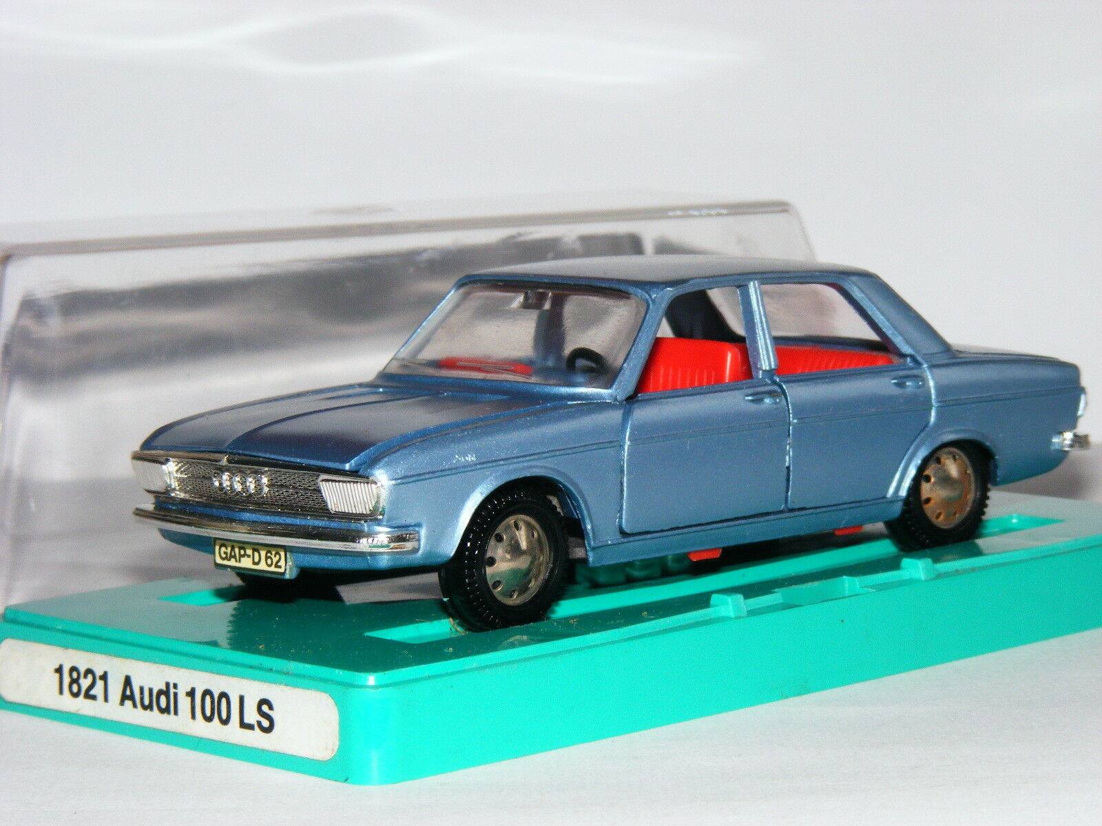 Marklin 1821 Audi 100 LS Saloon Metallic bluee 1 43 Boxed