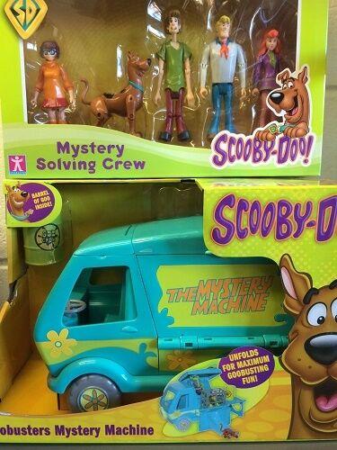 Scooby Doo Goobusters 5 Action Figures  Mystery Machine Van Playset solving crew