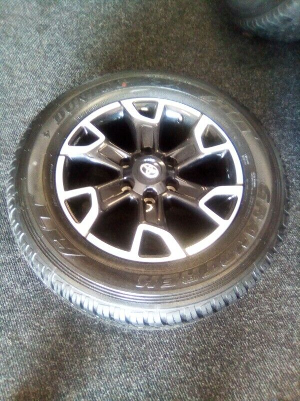 "18"" Toyota Legend 50 original mag with brand new 265/60/18 Dunlop AT to use for spare R3650"
