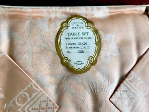 Vintage-UNUSED-Boxed-PEACH-Irish-COTTON-RAYON-Damask-Tablecloth-4-Napkins
