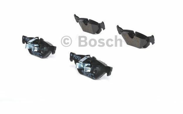 4x BOSCH Plaquettes de frein Arrière pour BMW Série 1 3 X1 MINI 0 986 494 272