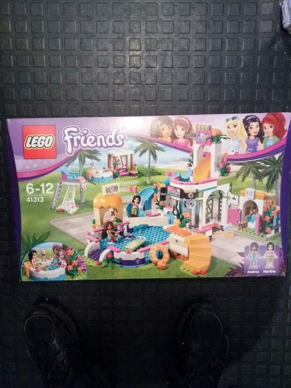 LEGO Friends Heartlake Summer Pool Party Set Set Set Fun Playset Slide Fountain Aquarium 8f7369