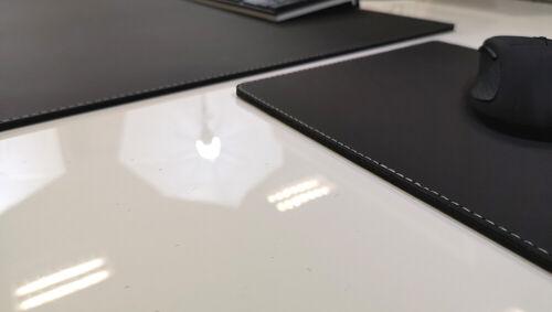 Gewinkelte Schreibtischunterlage mit Mauspad EchtLeder Schwarz silber Naht 60x38