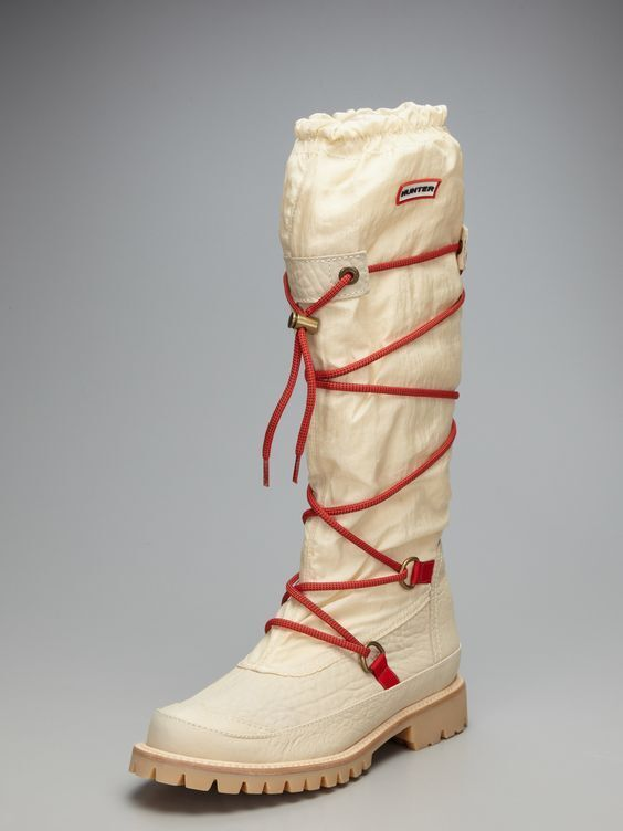 HUNTER SHOES SUMMIT WATERPROOF BOOTS IVORY 9  295 SUMT1016
