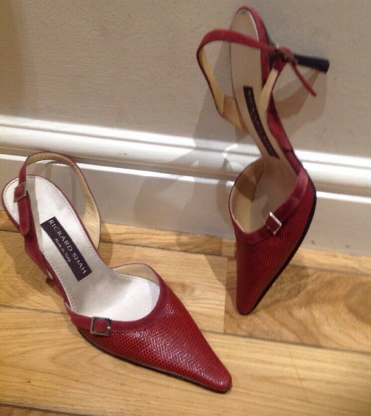 Red Leather  Court shoes by Rickard Shah Size 40 (7)