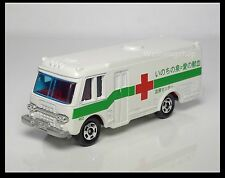 TOMICA 8 Red Cross Blood Donation Drive ISUZU BUS Ambulance 1/122 TOMY 30TH