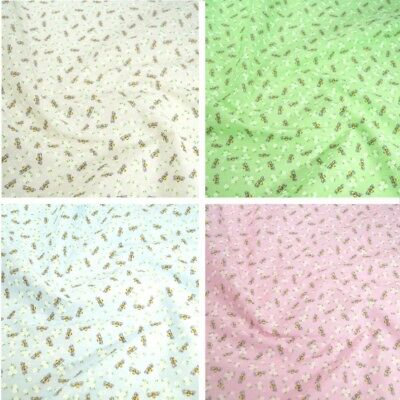 """per metre small green daisies polycotton fabric//material  width 44/"""""""