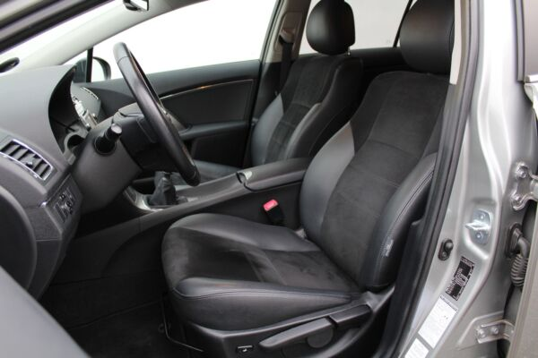 Toyota Avensis 1,8 VVT-i T2 Premium stc. - billede 4