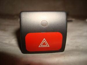 Citroen-Xantia-X2-Schalter-Warnblinkanlage-Warnblinkschalter