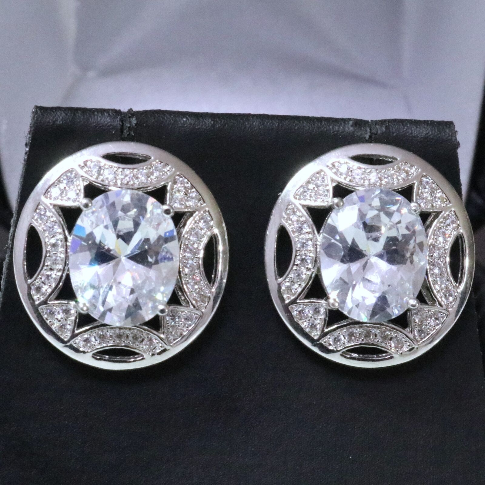 2 Ct Oval Cubic Zirconia Earring Stud Women Jewelry 14K White gold Plated