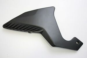 2010-HONDA-VFR-1200F-RIGHT-SIDE-PIVOT-PLATE-COVER-64700-MGE-000