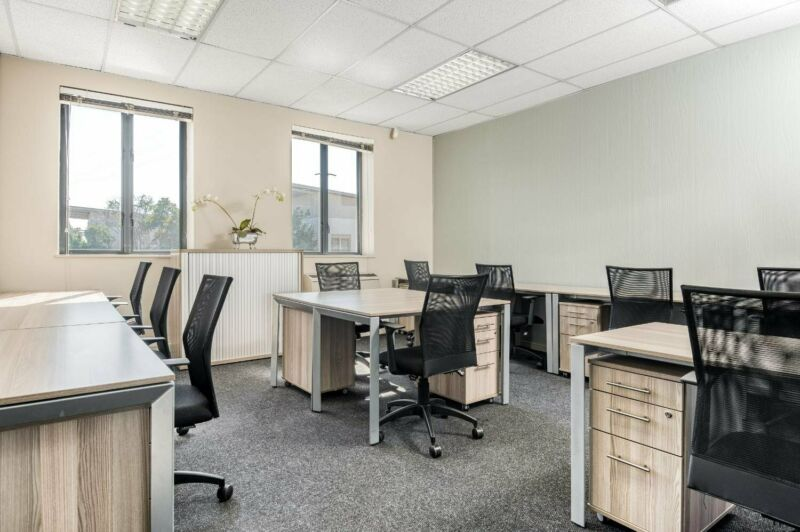 Book open plan office space for businesses of all sizes in Bryanston Wedgefield