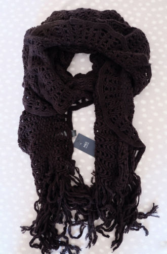 M/&S COLLECTION Red Black Winter White Ruffle Scarf/_Perfect Christmas Gift