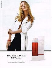 PUBLICITE ADVERTISING 104  2010  BURBERRY SPORT le nouveau parfum pour femme