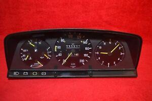 Mercedes-Benz W124 E-Klasse  Kombiinstrument A1245421966 200 km//H