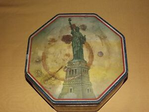 VINTAGE-MADE-USA-LOOSE-WILES-STATUE-OF-LIBERTY-SUNSHINE-BISCUIT-OCTAGON-TIN