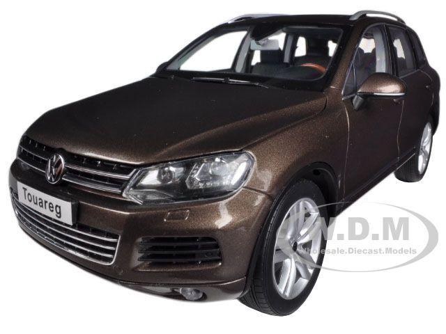 Volkswagen touareg v6 tsi braun 2010 1   18 ein diecast modell - auto von kyosho 08822 gbr