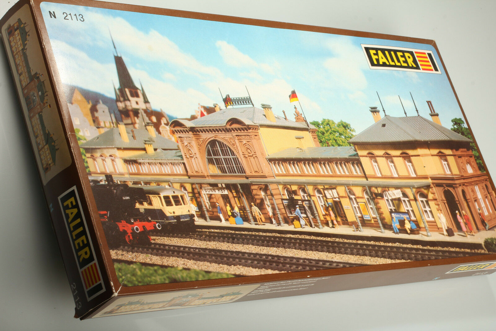 N Faller 2113 Classico Stazione Bonn