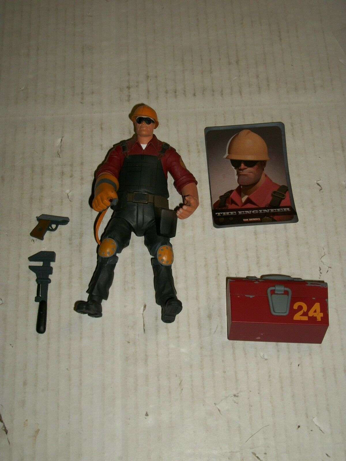 NECA Team Fortress 2 RED ENGINEER Figure 7  LOOSE
