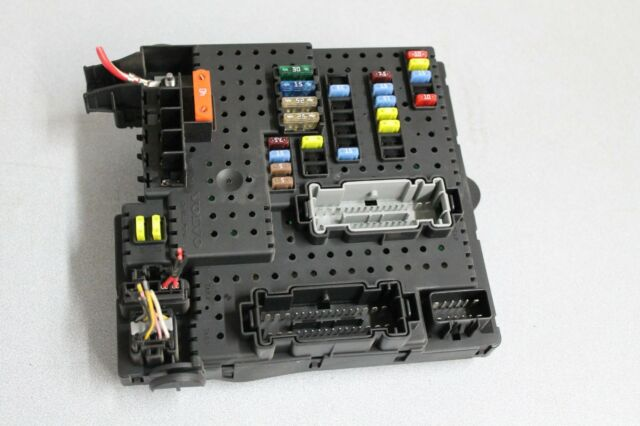 volvo s60 rear electronic control module fuse box part 8688264 ebay Volvo 2005 XC90 5 Cylinder 2005 2007 volvo v70 rear trunk partment fuse electric box block unit oem