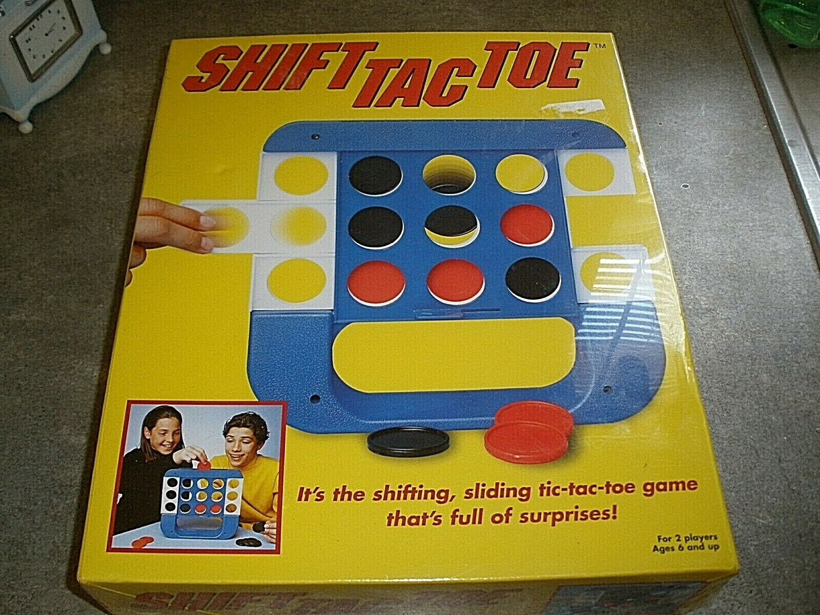 NEW FACTORY SEALED SHIFT TAC TOE VINTAGE Game By Pressman From 2001