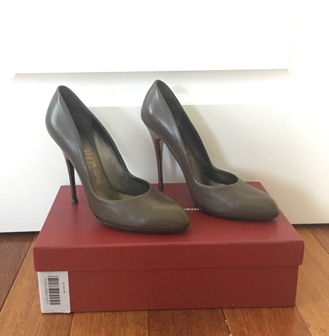 Salvatore Pumps Ferragamo Grey Leather Metallic Two Tone Heel Stiletto Pumps Salvatore SZ 7 1/2 07598f