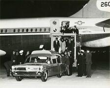 CASKET OF PRESIDENT JOHN F. KENNEDY UNLOADED FROM AIR FORCE ONE 8X10 PHOTO 1963