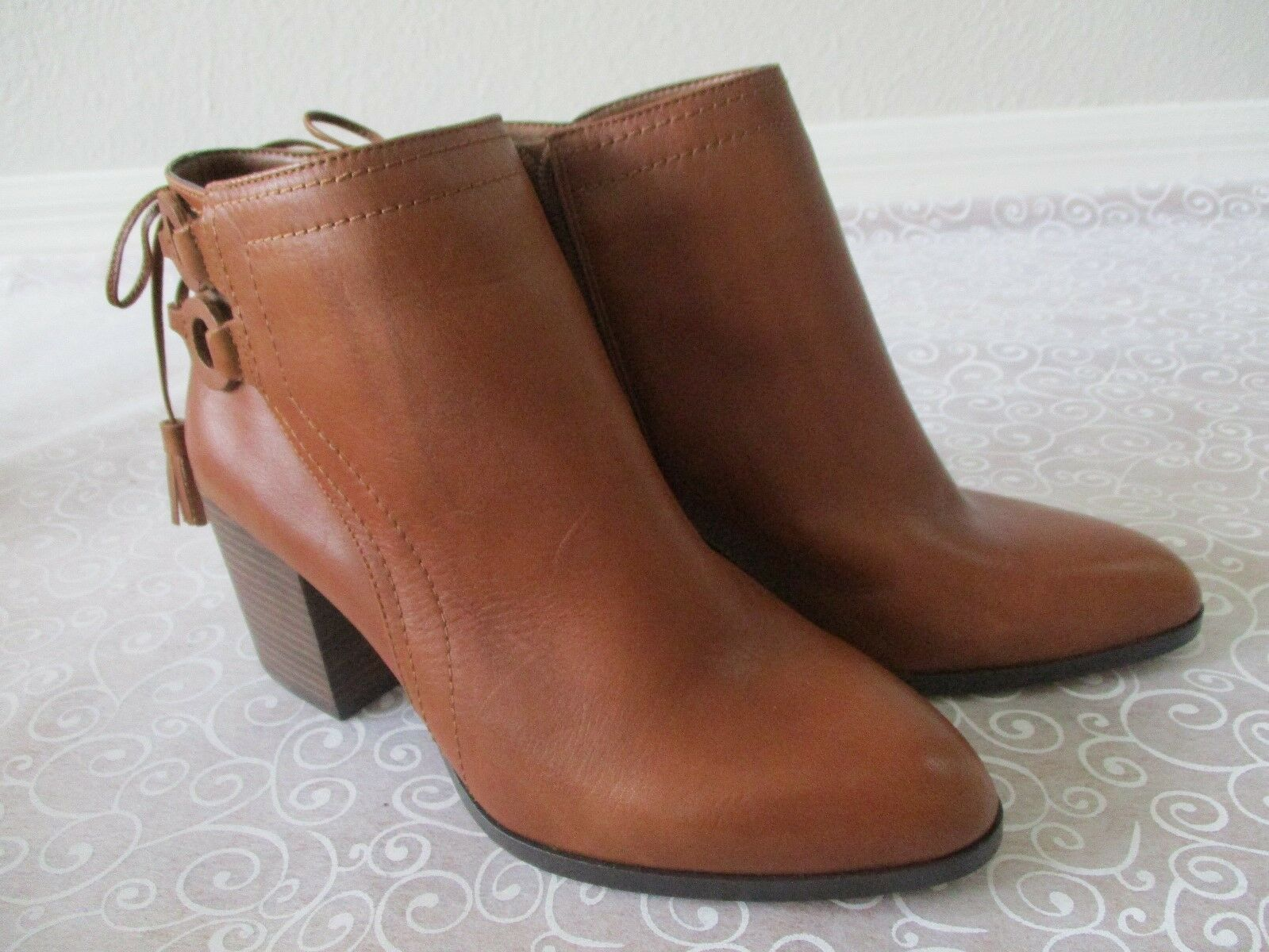 VINCE CAMUTO BROWN LEATHER ANKLE ZIP UP BOOTS SIZE 8 1/2 W - NEW