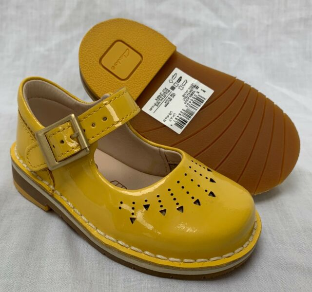 2cba1d19c1f BNIB Clarks Girls Yarn Jump Yellow Patent Leather Air Spring First Shoes F G