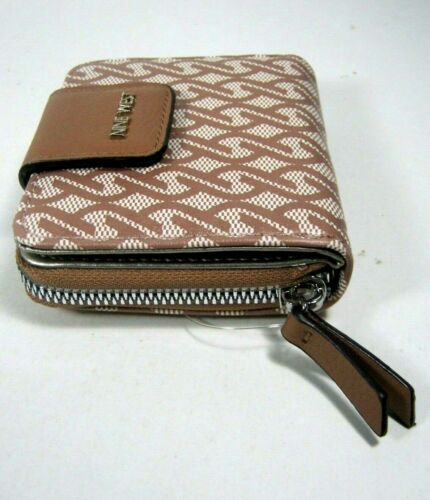 Nine West Small Clutch Zip Around Wallet For The Night SLG New NWT $39