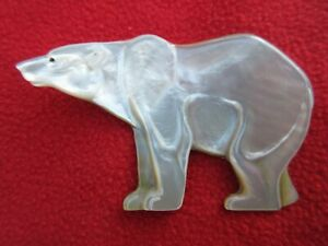 Magnificent-Large-Carved-Mother-Of-Pearl-Polar-Bear-Shamanic-Power-Pendant
