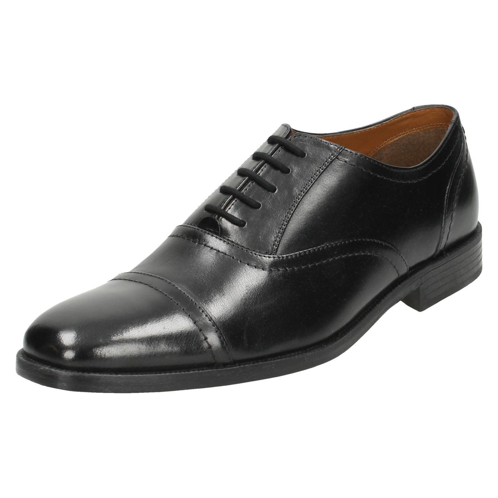 Clarks Hombre Zapatos negros Cordones