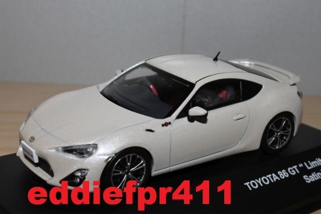 1 43 2012 TOYOTA 86 GT LIMITED COUPE IN SATIN bianca PEARL KYOSHO J COLLECTION