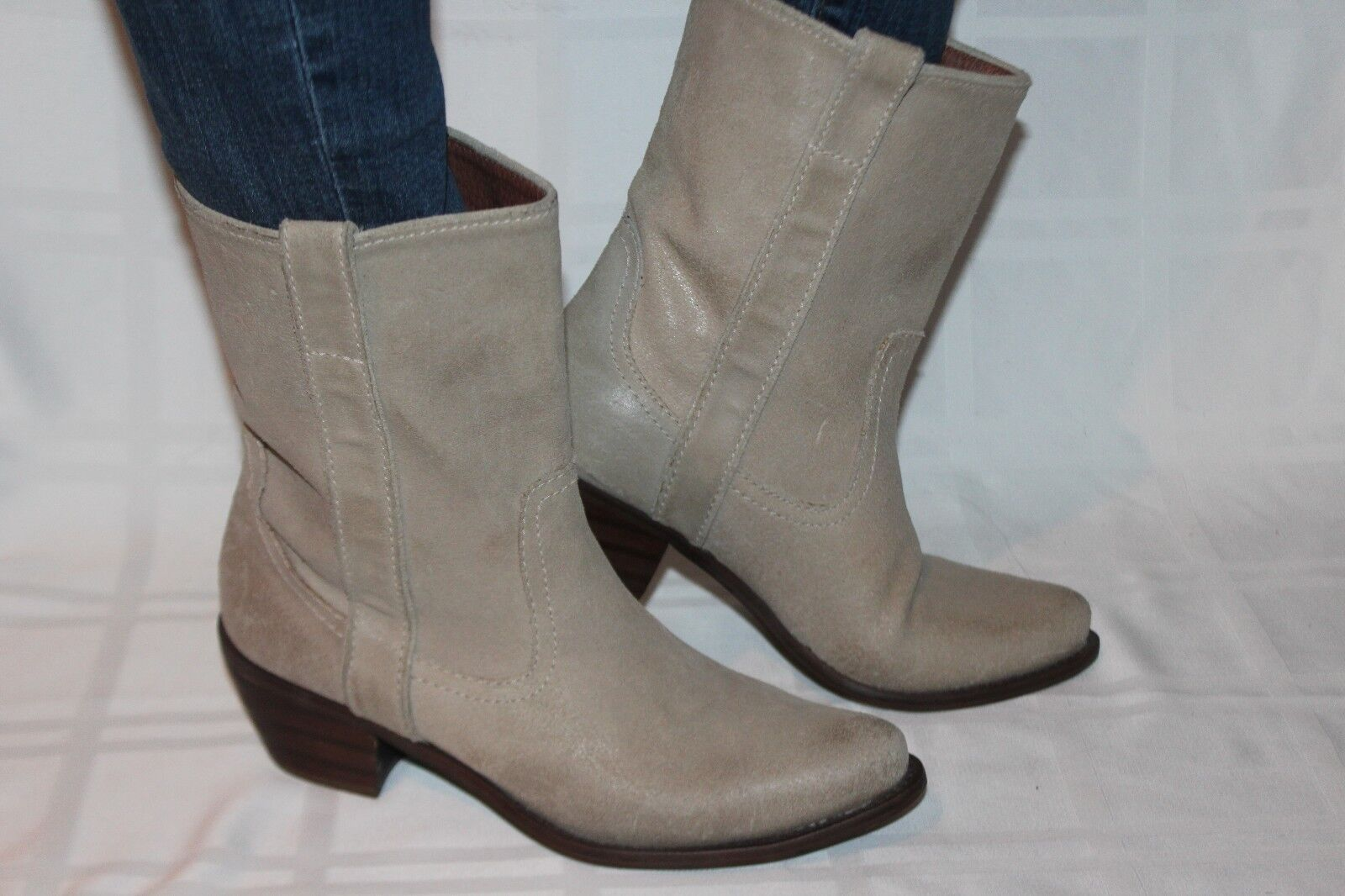 STEVE MADDEN Sand Suede Leather PERAMIS Pull On Western Short Boots Sz 8.5
