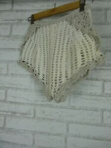 Alice-McCall-Short-Shorts-White-Grey-Crochet-Sz-4