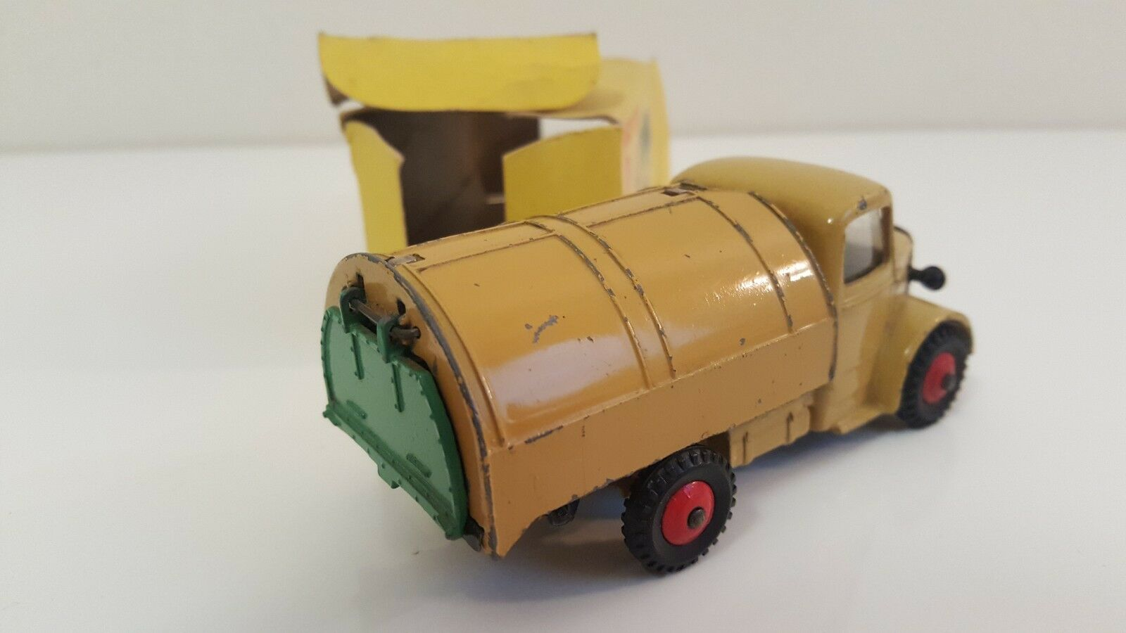 Dinky giocattoli - 252 - Camion Camion Camion Bedford Refuse Wagon f55a34