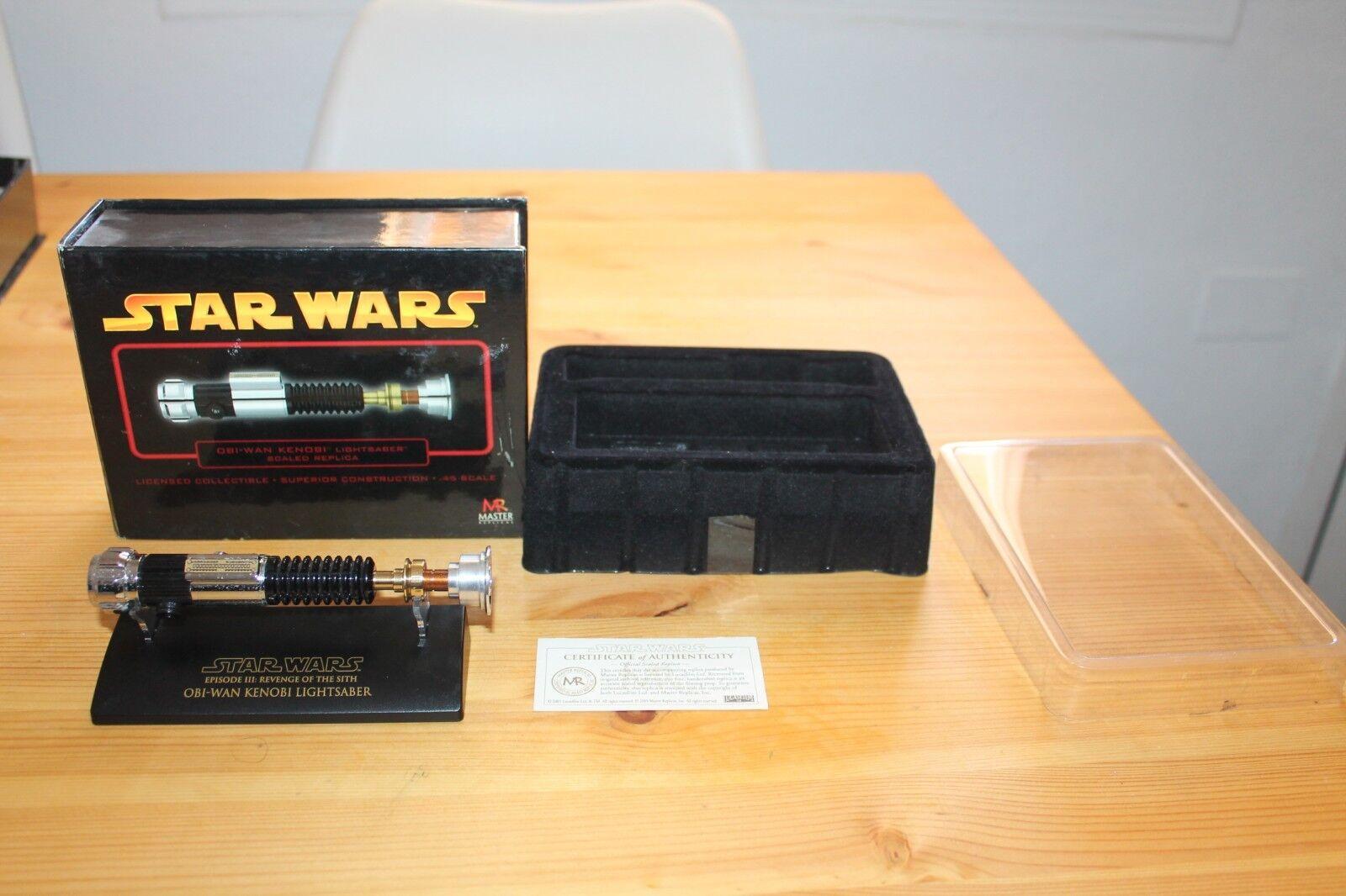 Obi Wan Kenobi Lightsaber Replica Escala 45 en en en caja Completo Master Replicas 1286e0