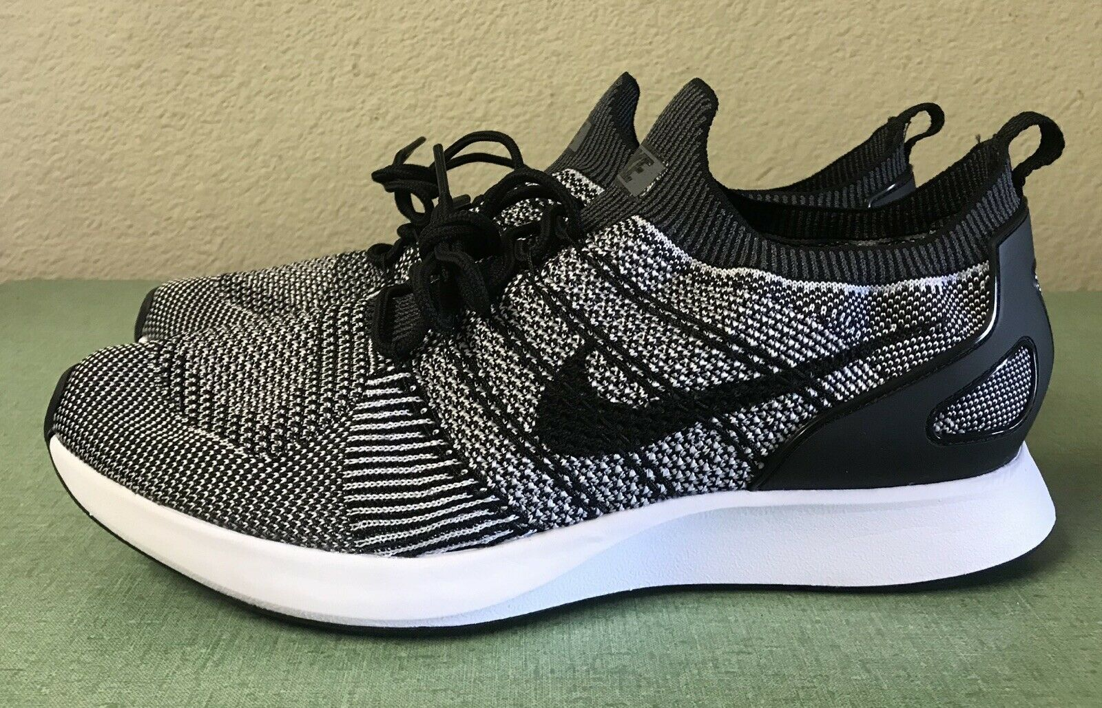 Nike Air Zoom Mariah Flyknit Racer Oreo Black White Mens Sz 11 Running shoes NEW