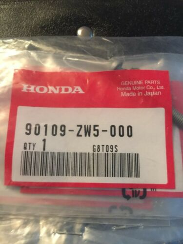 Honda Outboard Part 90109-ZW5-000 Pan Screw 5x40